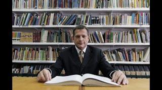 TEODORO HAMPE MARTÍNEZ (1960-2016), destacado historiador del Perú en contexto mundial
