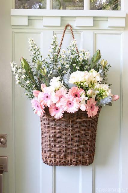 Cestas para tus plantas y flores paperblog - Como decorar una cesta de mimbre ...