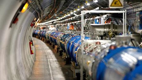 Una mirada panorámica de 360º al Gran Colisionador de Hadrones