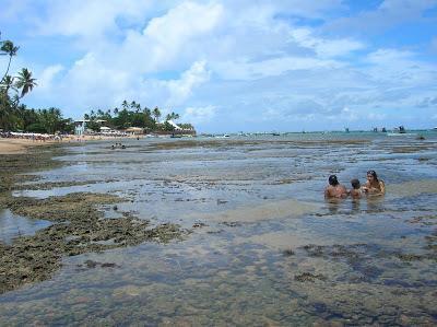 Marea baja en Praia do Forte, Brasil, La vuelta al mundo de Asun y Ricardo, round the world, mundoporlibre.com