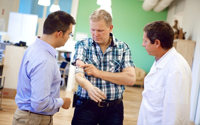 Prótesis con conexión directa a hueso, nervios y músculos