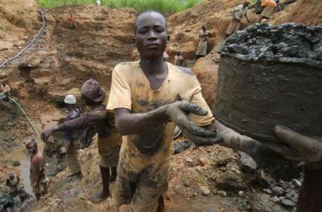 ¿Me pone cuarto y mitad de uranio para enriquecer? Contrabando y descontrol nuclear en África