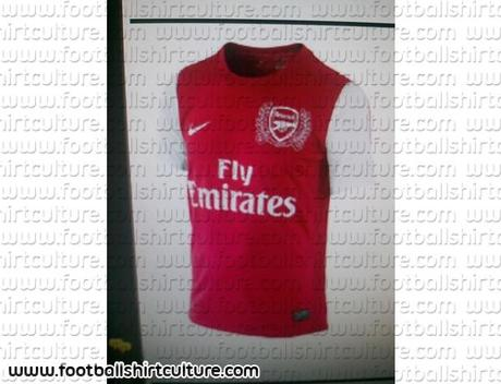 Camiseta de local del Arsenal; temporada 2011-2012 (?)