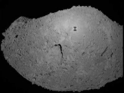 Un asteroide en la palma de la mano