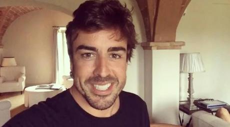 Fernando Alonso cambia la F1 por el Rally en PS4