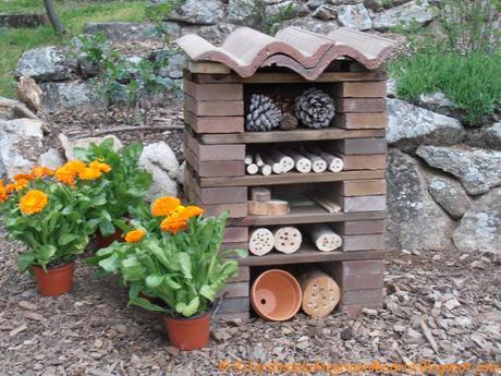 Cómo realizar un hotel para abejas solitarias