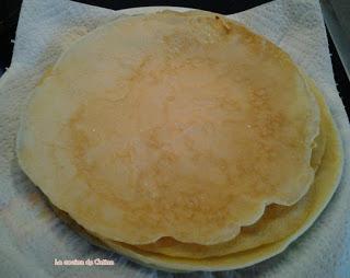 Placinta de clatite cumere si ricotta (crepes con pastel de manzana y requesón)