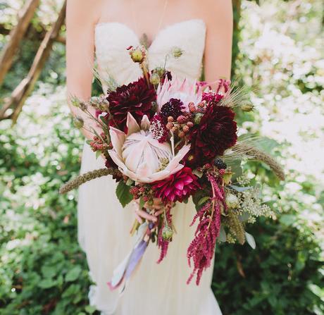 BODAS | Una boda boho con pajaritas, suculentas, tattoo temporales y red velvet