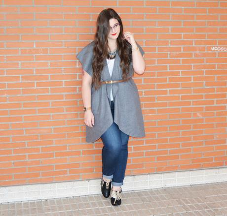 OOTD ~ Capa sin Mangas & Zapatos personalizados ~ Curvy Girl