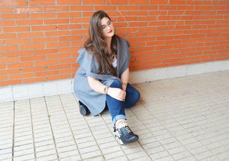 OOTD ~ Capa sin Mangas & Zapatos personalizados ~ Curvy Girl
