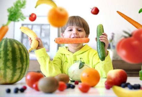 Frutas, verduras y leche en las escuelas de Europa