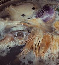 hervir el pescado y el marisco