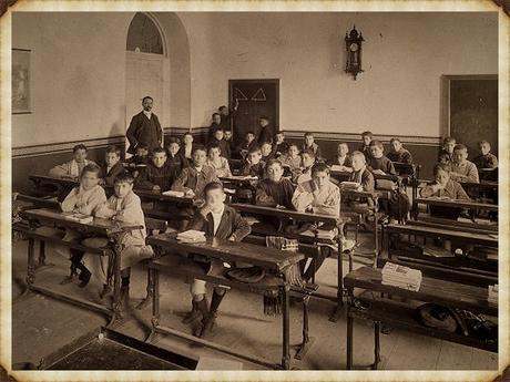Escuelas Aguirre 1886_Marco