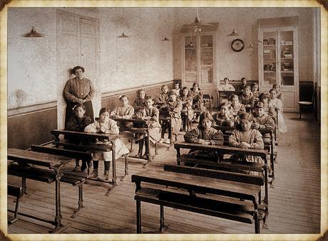 Escuelas Aguirre 1900_Memoria de Madrid_Museo de Historia_Marco