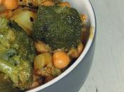 Brocoli garbanzos soja especias pastel salmon verduras