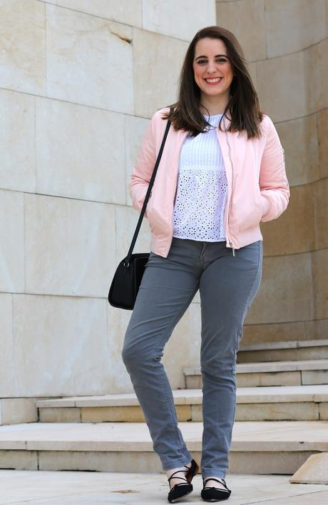 Outfit casual con mi bomber rosa