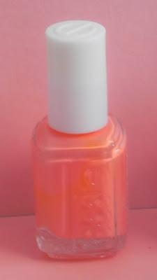 Color y tratamiento en tus uñas con ESSIE y Outletbelleza (Info, haul y review)