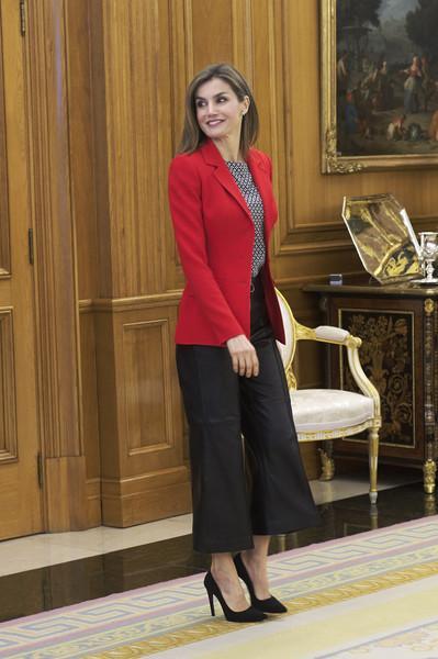Dña. Letizia con culotte, suspenso en estilismo con profesionales de la moda