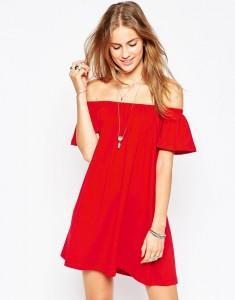 vestido rojo hombros descubiertos