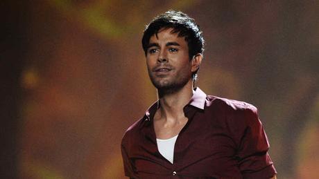 Enrique Iglesias adelanta 15 segundos de su nueva canción 'Duele El Corazón' (AUDIO)