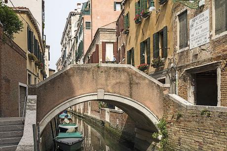 El Sestiere de San Polo en Venecia: del puente de Rialto al Ponte de le Tette, cortesanas, farolillos rojos y cuadros de Tintoretto.