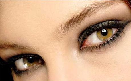 3 sencillos gestos para disimular las bolsas de los ojos