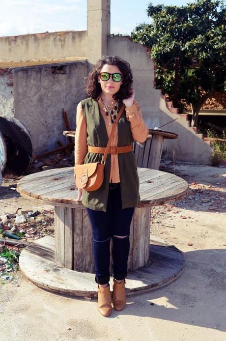 Como llevar un chaleco caqui_Outfits_mivestidoazul (7)