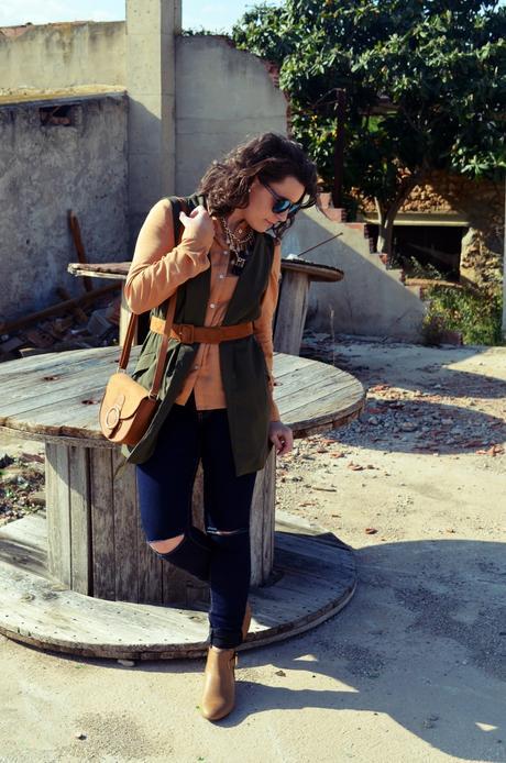 Como llevar un chaleco caqui_Outfits_mivestidoazul (3)