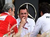 Según Ecclestone Mercedes ayudado Ferrari