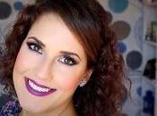 Maquillaje ahumado azul morado