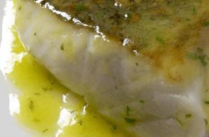 plato de merluza confitada