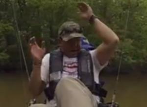 Pescador esperaba haber capturado un pez gato, pero resultó ser un monstruoso cocodrilo