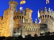 León. Camino Santiago tierras Ponferrada. Caballeros Templarios protegiendo peregrino. Knights Templar protecting pilgrims