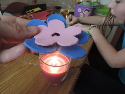 Flores De Goma Eva Con Bombones Para El Dia De La Madre Paperblog