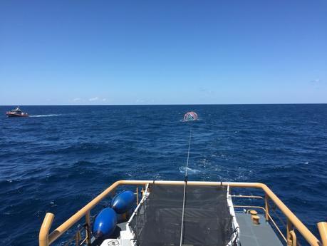 Rescatan a un hombre en un extraño artilugio a 50 millas de las costas de Florida
