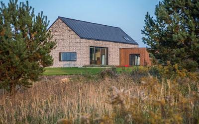 Casa minimalista con gaviones paperblog for Casa rural minimalista