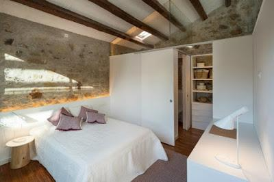 Casa rustica de piedra remodelada paperblog for Casa minimalista rustica