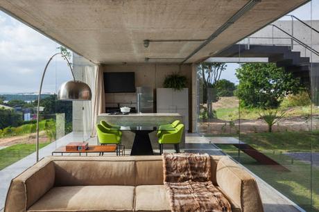 Casa moderna y elevada en hormigon paperblog for Casa moderna hormigon