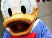 Pato Donald demandado acosador