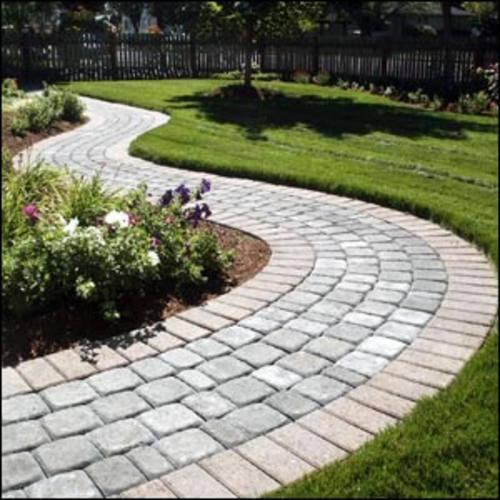 Senderos y caminos en el jard n paperblog for Camino de piedras para jardin