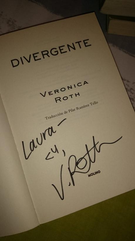 Firma de Veronica Roth