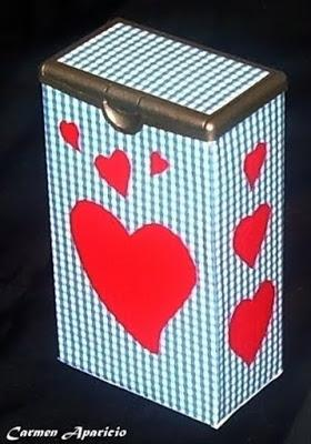 Con un envase de café se pueden hacer unas cajas muy bonitas.