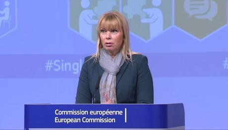 Elzbieta Bieńkowska, responsable de Mercado Interior, Industria, Emprendimiento y Pymes