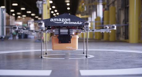 Dron que entrega paquetes a domicilio
