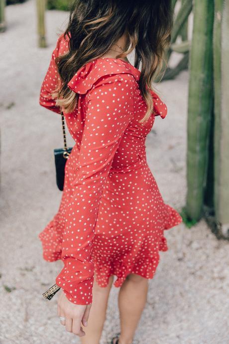 Realisation_Par_Dress-Star_Print-Red_Dress-Outfit-Catonier-Hat-Lack_Of_Color-Black_Sandals_Topshop-Barcelona-Collage_Vintage-Mossen_Gardens-67