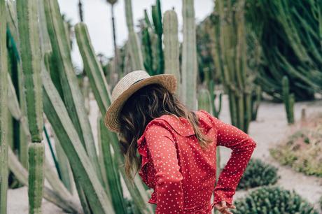 Realisation_Par_Dress-Star_Print-Red_Dress-Outfit-Catonier-Hat-Lack_Of_Color-Black_Sandals_Topshop-Barcelona-Collage_Vintage-Mossen_Gardens-9
