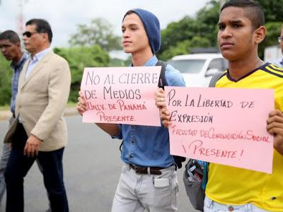 Estudiantes marchan en apoyo a La Estrella de Panamá