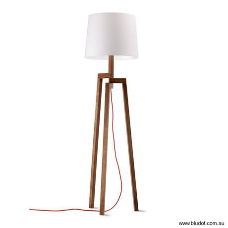 Lámparas de pie contemporáneas.