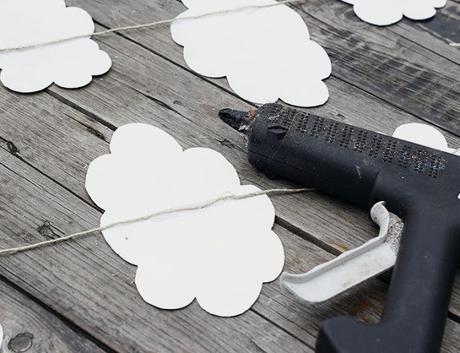 DIY | Haz un móvil de nubes para tu casa