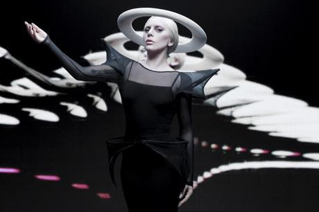 Tendremos que esperar un año para la nueva música de Lady Gaga